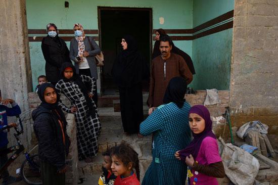 الرئيس السيسي يوجه بعلاج الطفلة شهد عصام بمركز طامية في الفيوم (11)