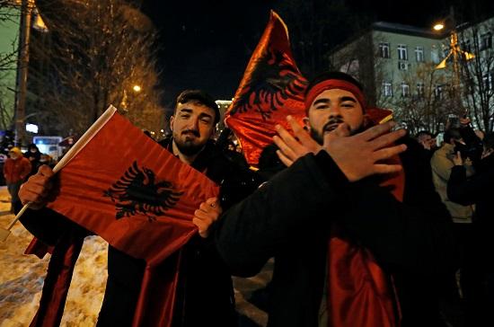 شعارات المعارضة في كوسوفو