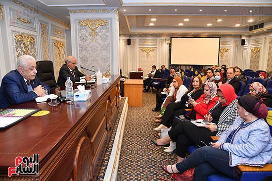 اجتماع لجنة التعليم والبحث العلمى (5)