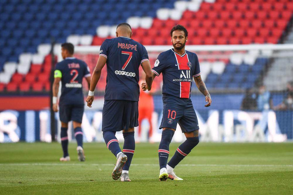 باريس سان جيرمان ضد برشلونة