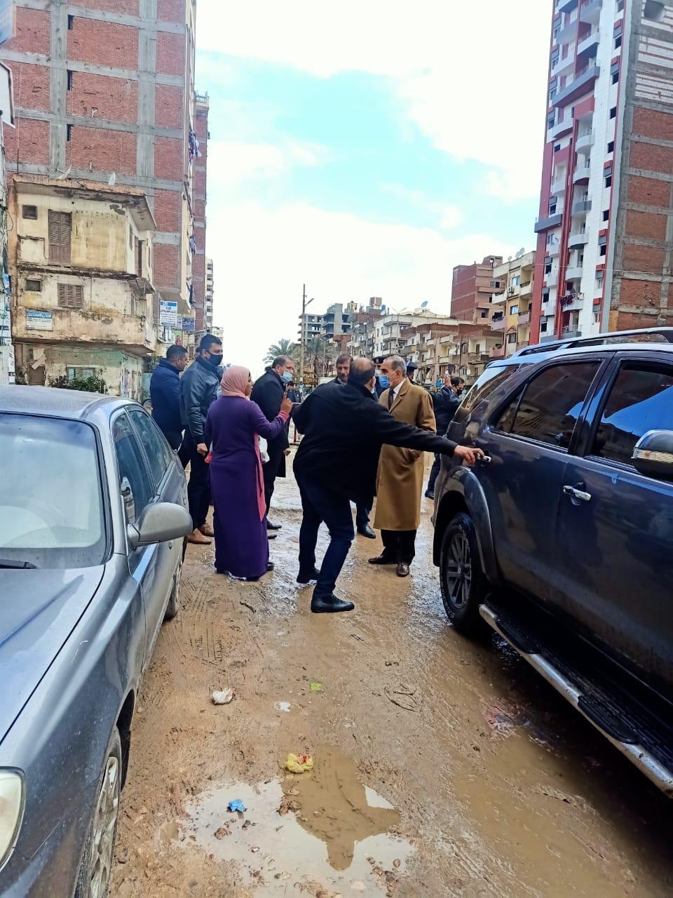 محافظ كفر الشيخ يستمع للمواطنين