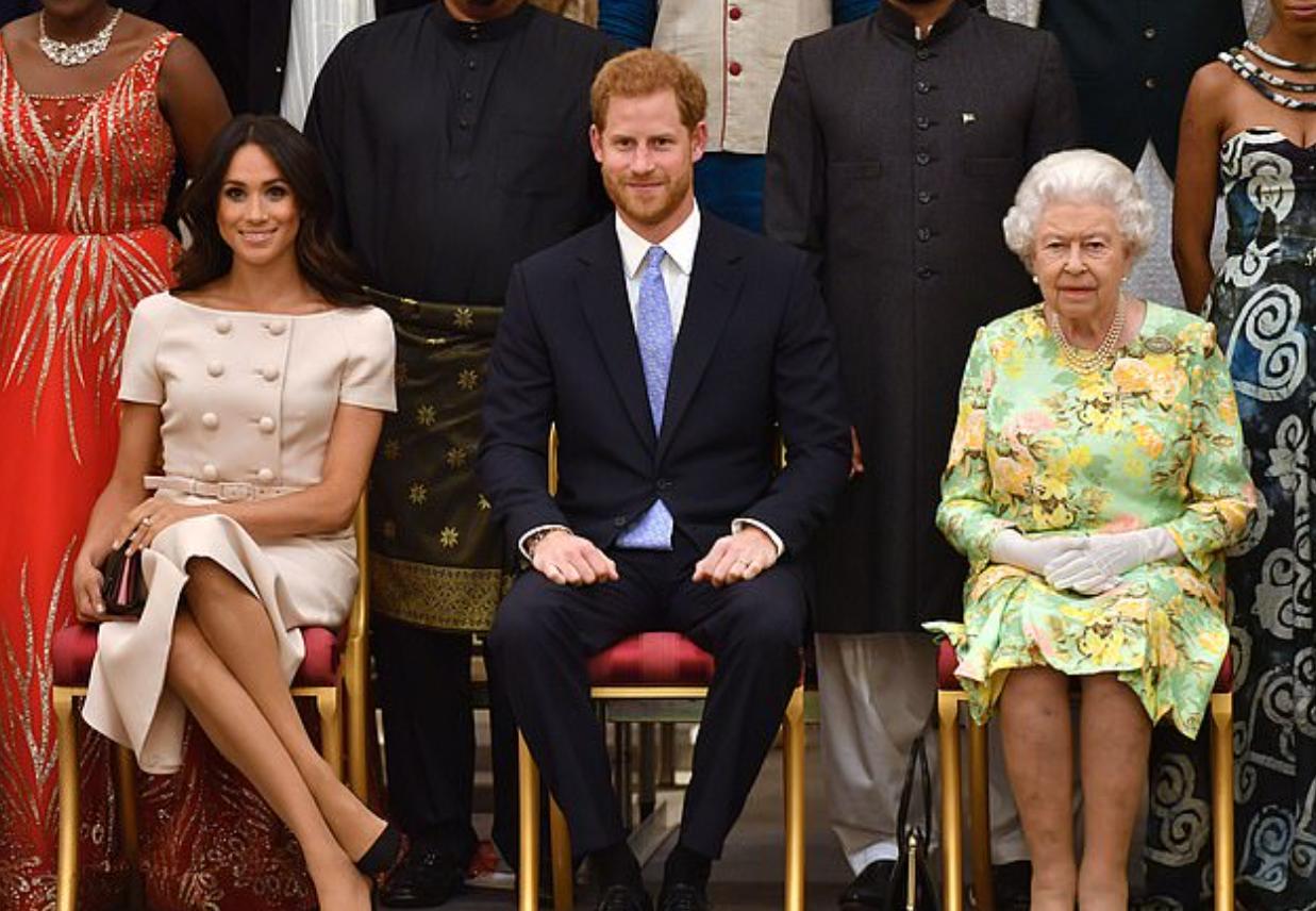 هارى وميجان والملكة اليزابيث
