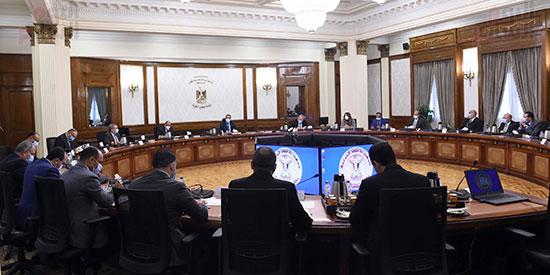 رئيس الوزراء يتابع المشروع القومى لتطوير القرى (6)