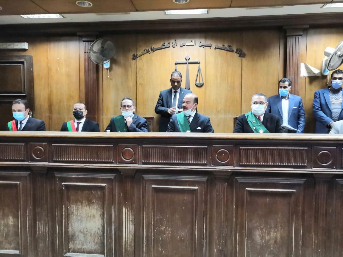 هيئة المحكمة فى قضية سفاح الجيزة
