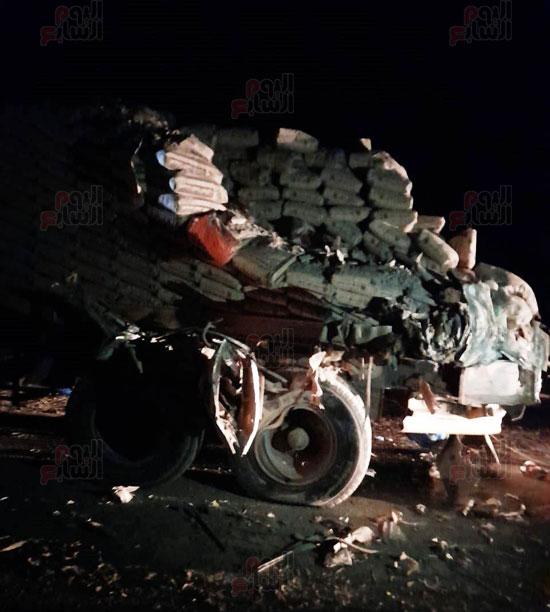 تفاصيل-مصرع-4-أشخاص-وإصابة-46-فى-حادث-بطريق-أبوسمبل-(2)
