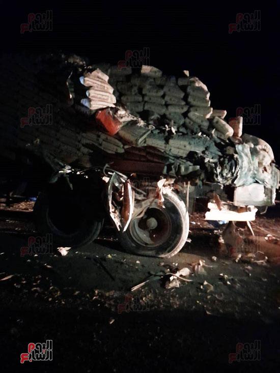 تفاصيل-مصرع-4-أشخاص-وإصابة-46-فى-حادث-بطريق-أبوسمبل-(1)