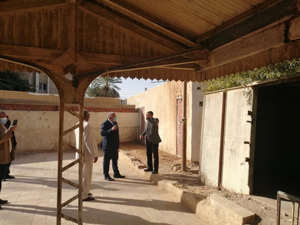 احياء وترميم اول محطة قطار عمرها 85 سنة بالوادى الجديد (12)