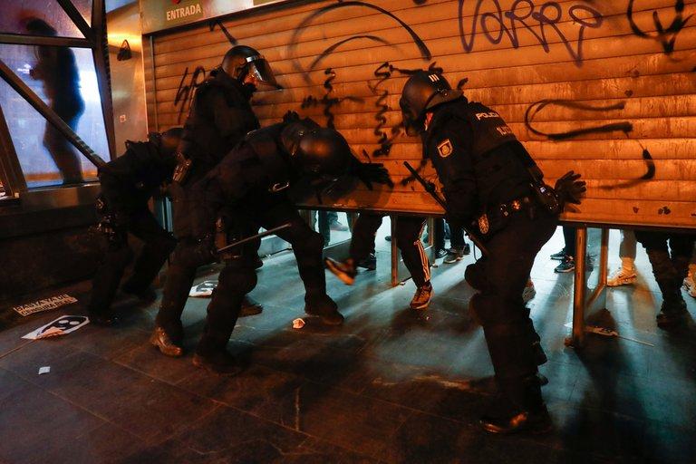 احتجاجات ببرشلونة