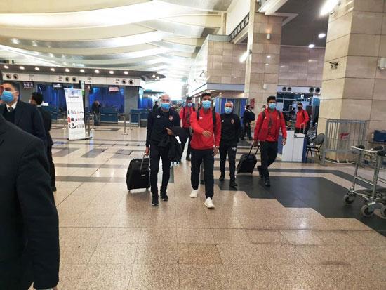 بعثة المنتخب الوطنى في مطار القاهرة (3)