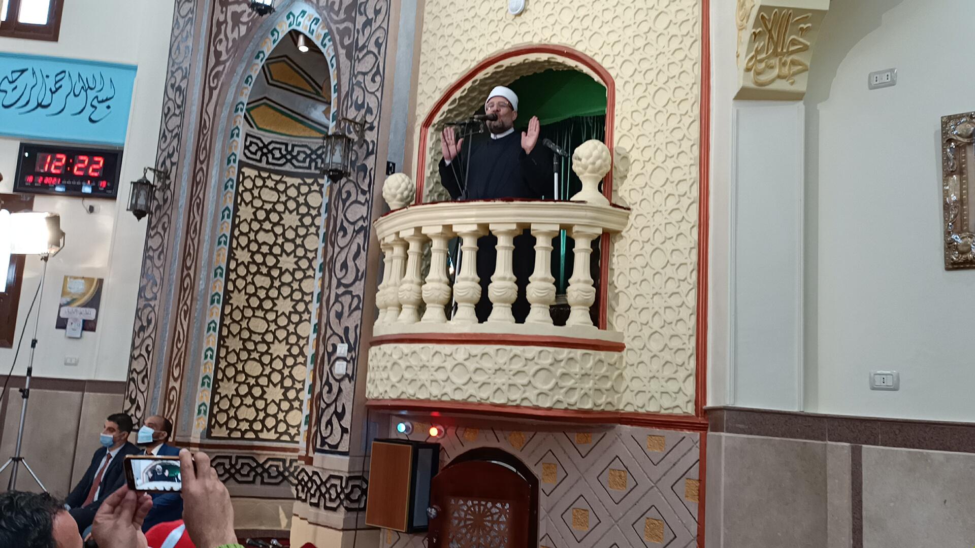 وزير الأوقاف خلال خطبة الجمعة بمسجد عصمت السادات (1)