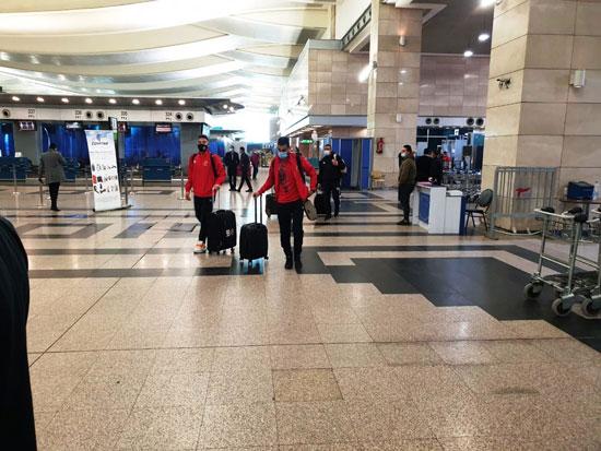 بعثة المنتخب الوطنى في مطار القاهرة (2)