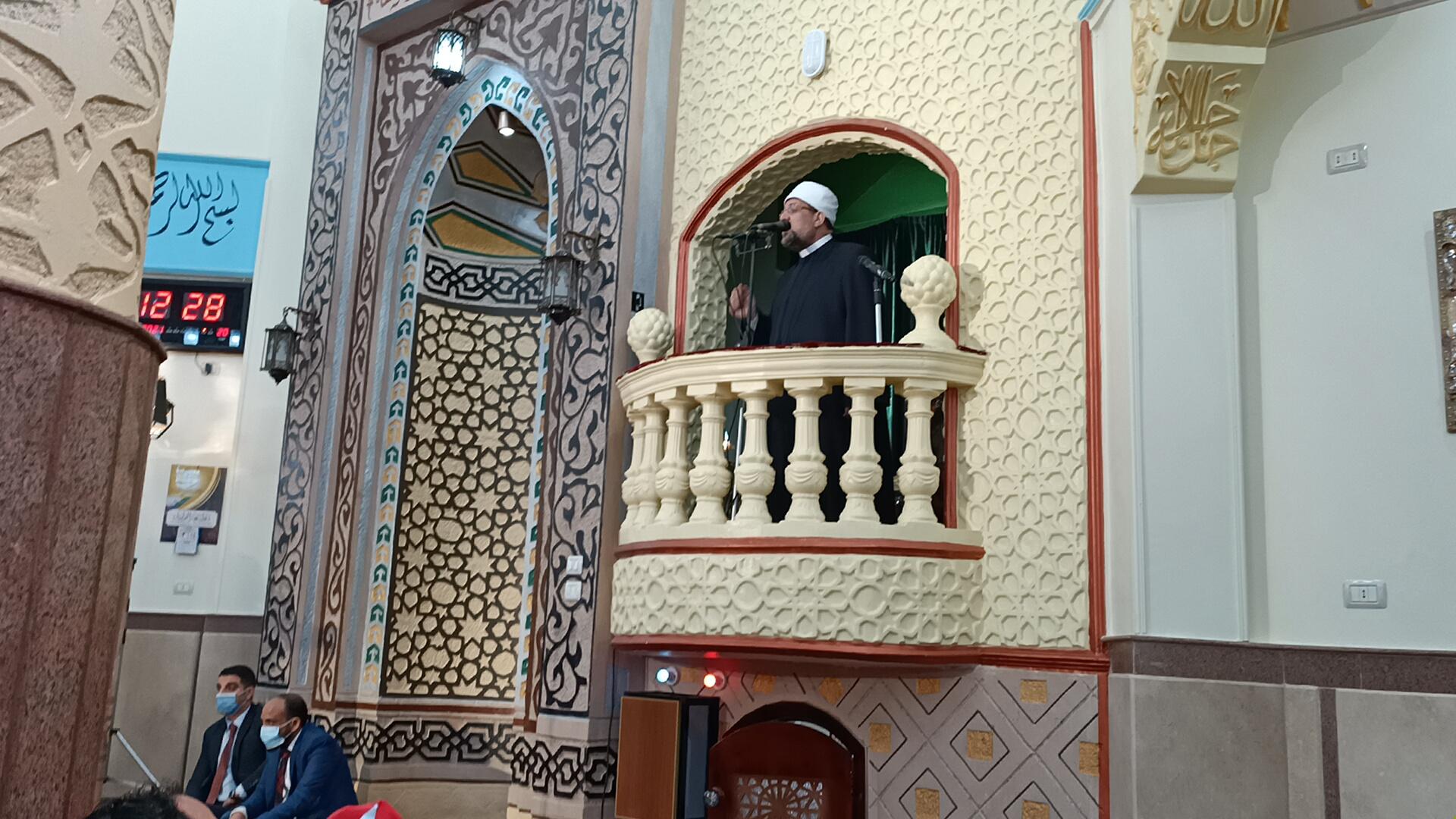 وزير الأوقاف خلال خطبة الجمعة بمسجد عصمت السادات (5)