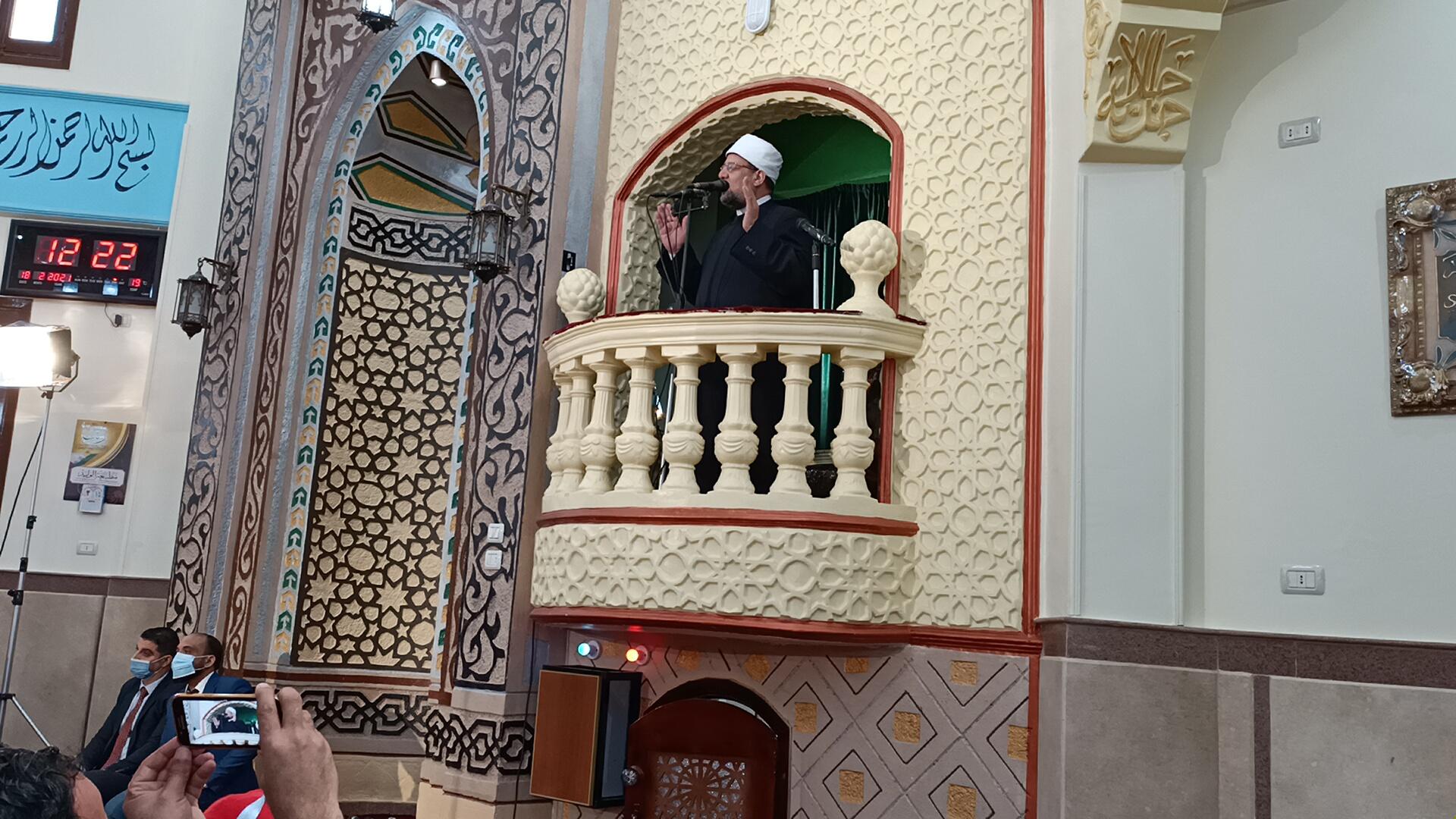 وزير الأوقاف خلال خطبة الجمعة بمسجد عصمت السادات (2)