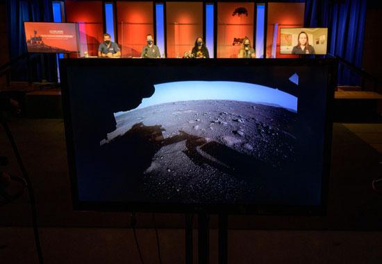 أول صور لسطح المريخ
