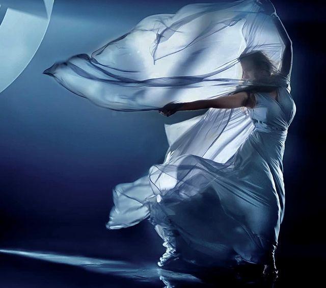 نيللي كريم تخطف الأنظار بـ فستان أنيق في أحدث فوتوسشين