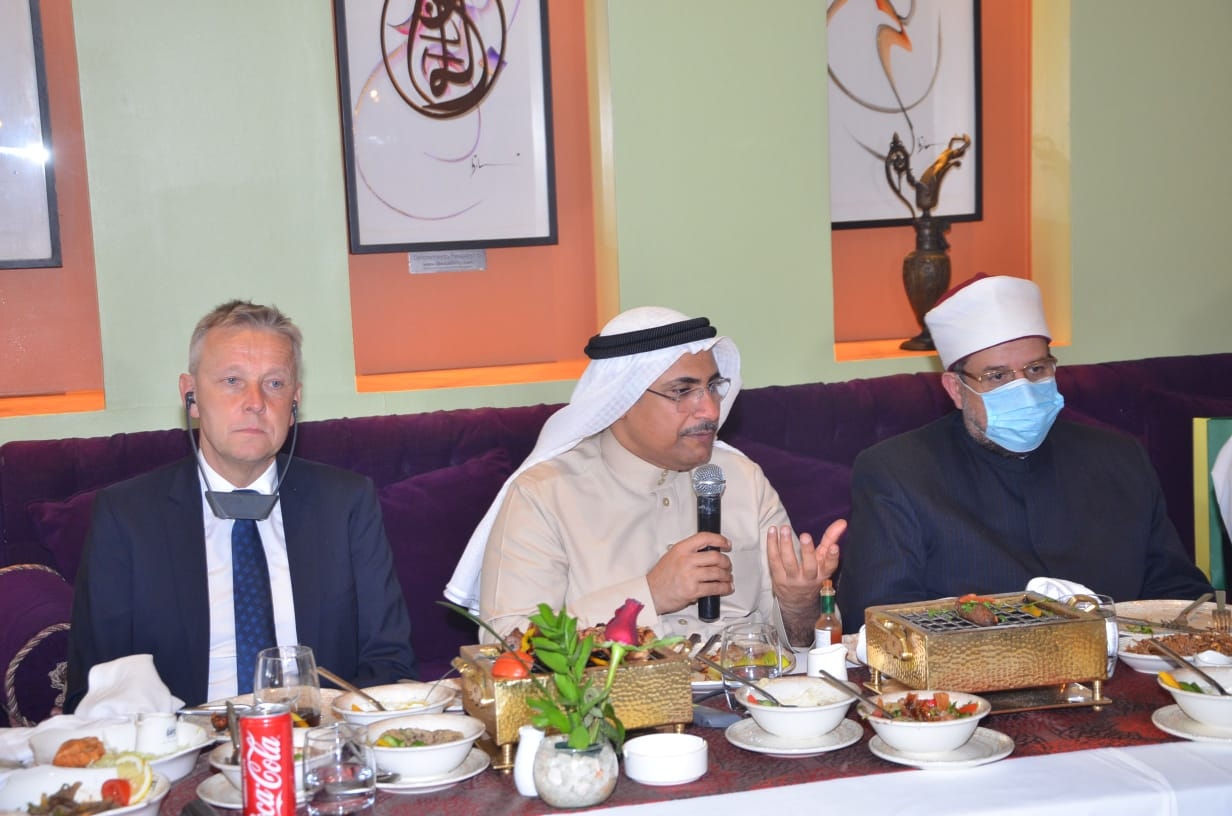 وزير الأوقاف ورئيس البرلمان العربي خلال اللقاء