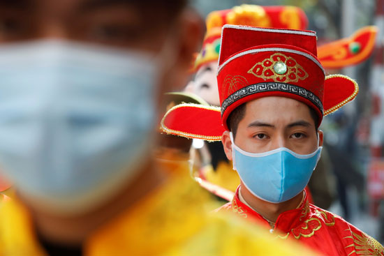 احتفالات اله الثروة فى فيتنام (11)