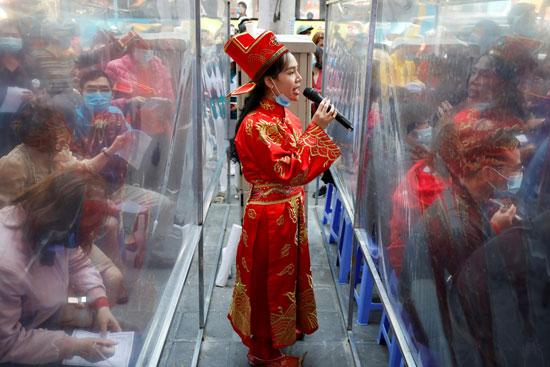 احتفالات اله الثروة فى فيتنام (9)