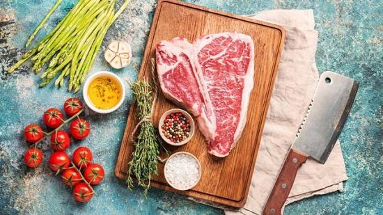 طريقة عمل ستيك اللحم بصوص المشروم (4)