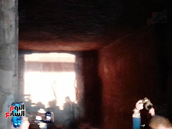 بدء ظاهرة تعامد الشمس على-وجه رمسيس الثانى بأبوسمبل