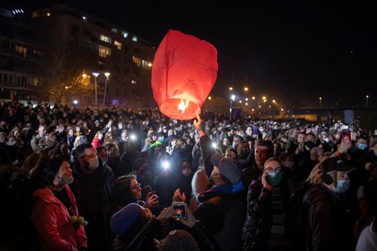 ألاف المواطنين فى صربيا يشاركون فى تأبين السياسى البارز