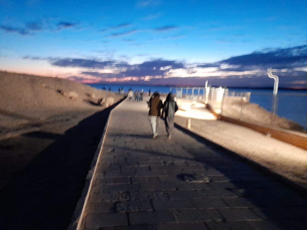 توافد الزوار على معبد أبوسمبل لحضور تعامد الشمس  (6)