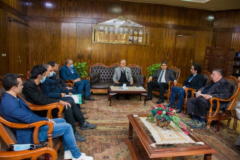 الدكتور محمود زكى رئيس جامعة طنطا (1)
