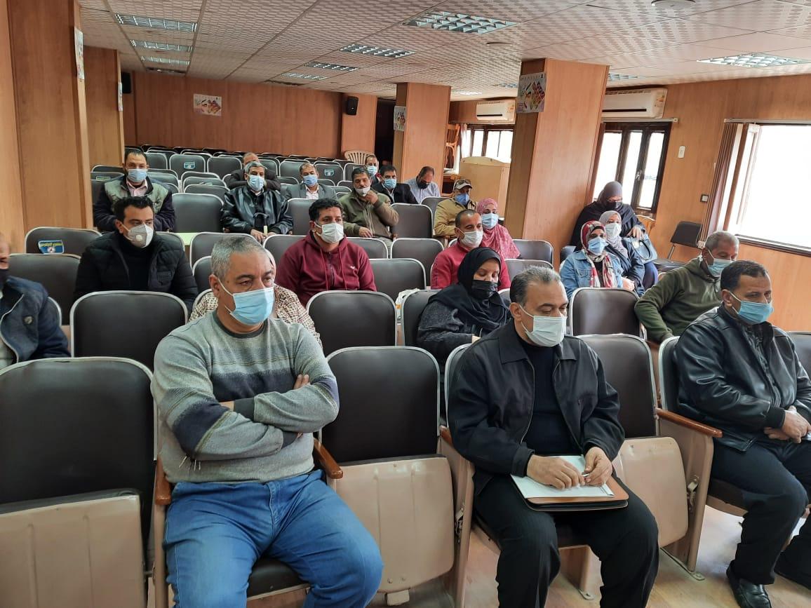 المشاركون بالاجتماع
