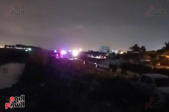 قوات الإنقاذ تواصل البحث عن ضحايا مركب الإسكندرية (8)