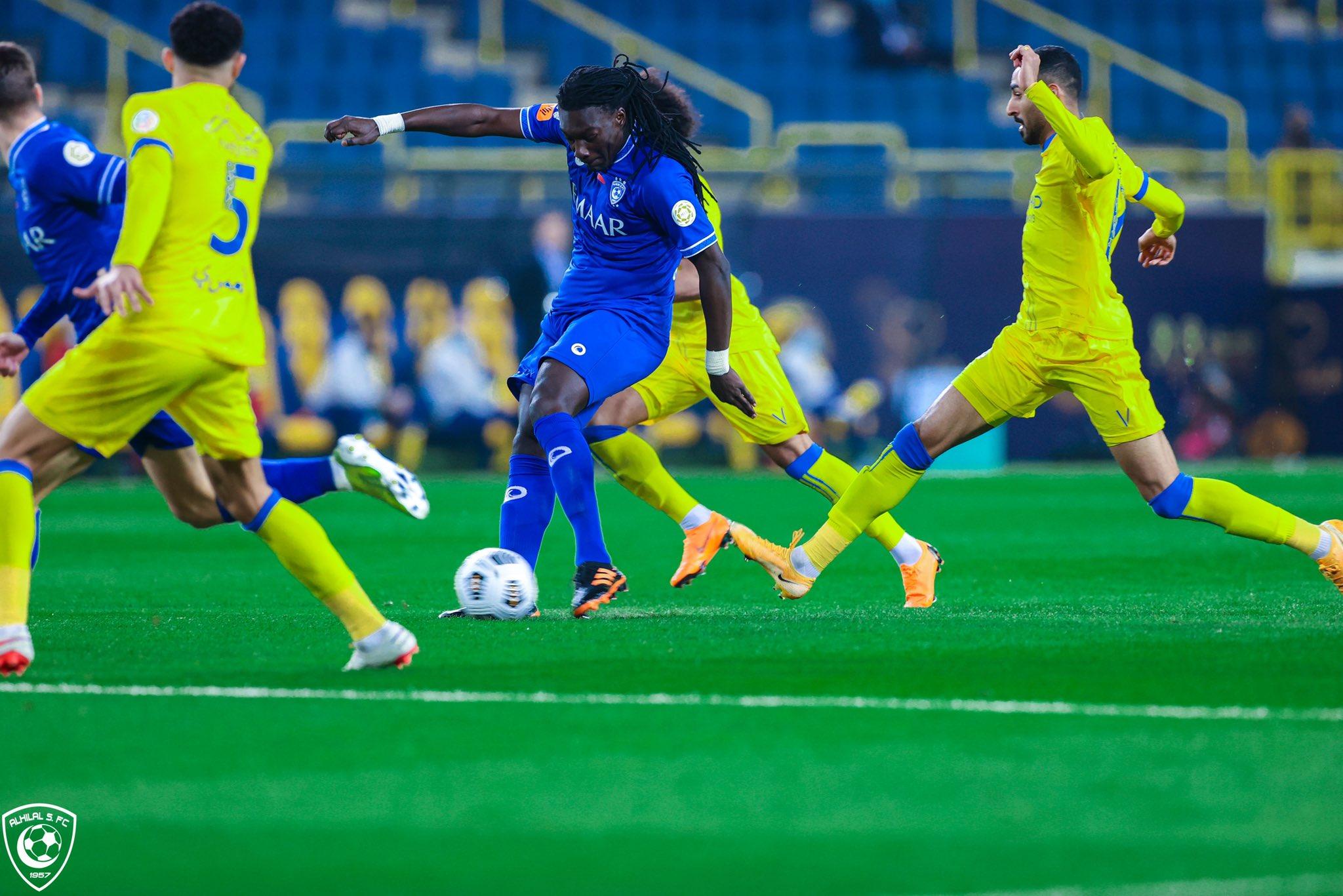 لاعبو النصر يلاحقون جوميز