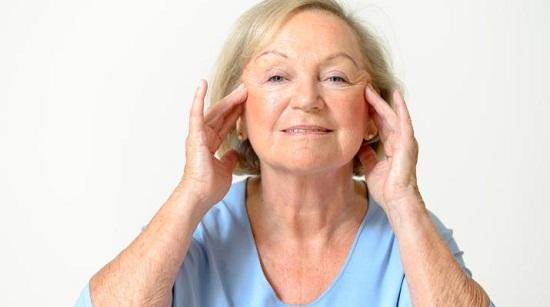 وصفات طبيعية للتخلص من تجاعيد حول الفم