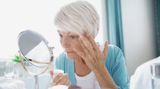 وصفات للتخلص من تجاعيد حول الفم