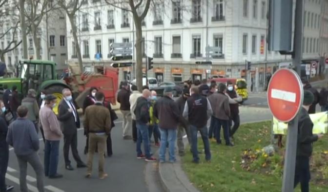 مزارعون غاضبون فى فرنسا