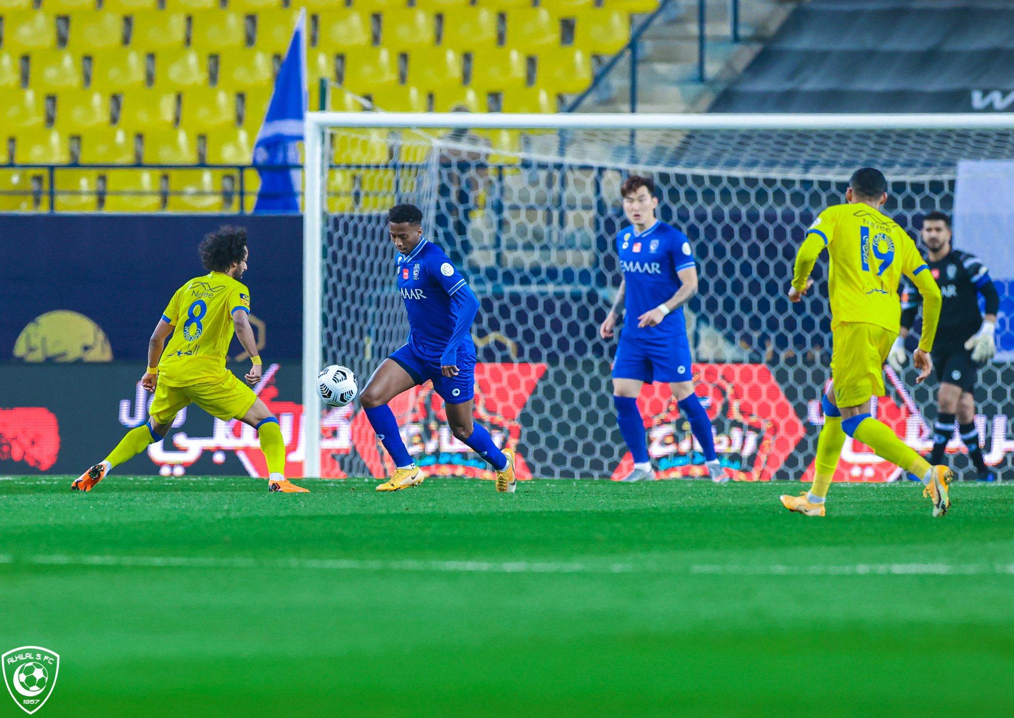 الهلال في مباراة النصر