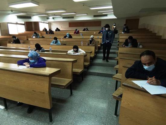 تعاون-بين-جامعة-جنوا-وجامعة-مصر-للعلوم-لتدريب-أطباء-الأسنان-(2)