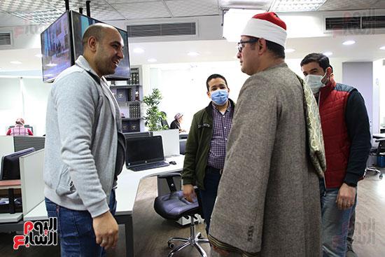 الشيخ محمود الشحات مع الزميل حازم حسين رئيس التحرير التنفيذى لليوم السابع