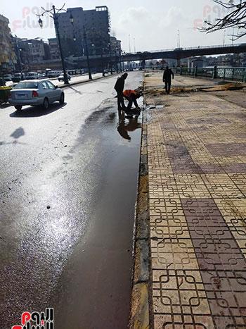 رفع تجمعات مياه الأمطار (2)