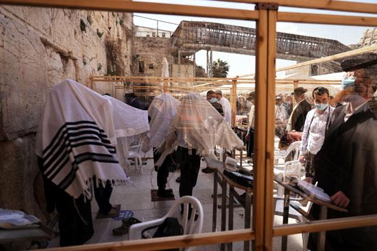 الاحتلال الإسرائيلى يرمم حجارة الحائط الغربى بالقدس (4)