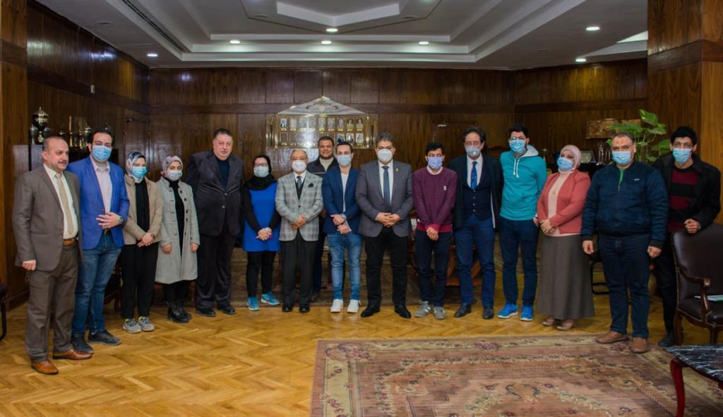 الدكتور محمود زكى رئيس جامعة طنطا (2)