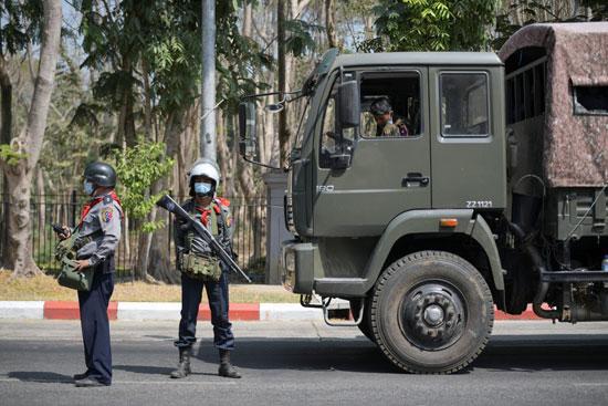 مدرعات الجيش فى ميانمار