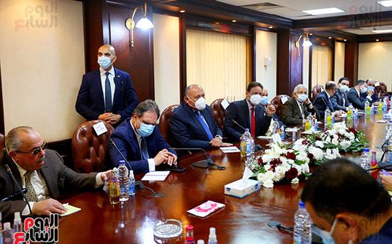 جانب من لقاء الأعلى للإعلام مع سامح شكرى وزير الخارجية لمناقشة التطورات السياسية