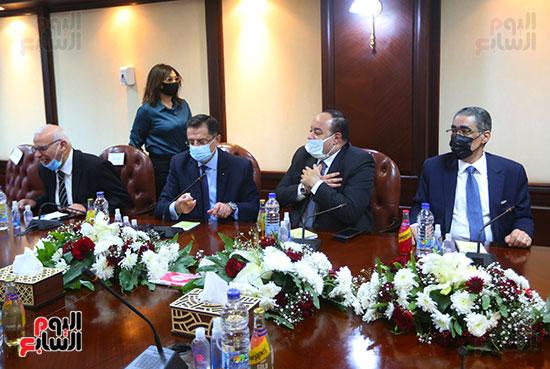 الأعلى للإعلام يعقد جلسة حوارية مع وزير الخارجية