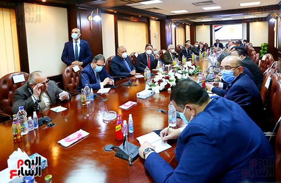 جانب من لقاء كرم جبر مع وزير الخارجية