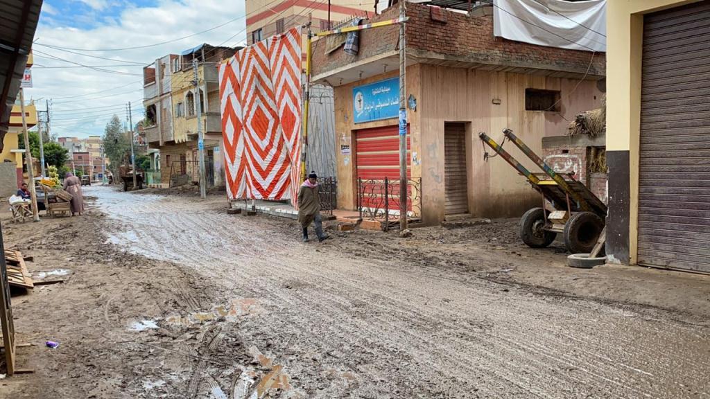 مبادرة حياة كريمة تبدأ فى تطوير قرية كفر الحطبة  (1)