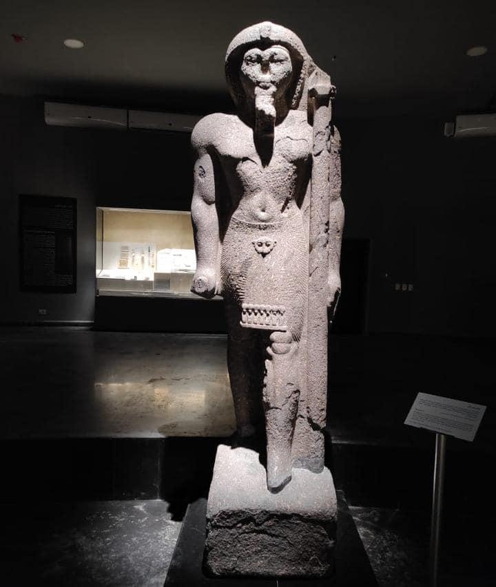 تمثال اثري بمتحف كفر الشيخ