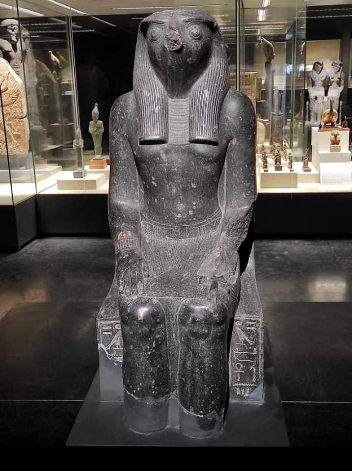 تمثال بمتحف كفر الشيخ