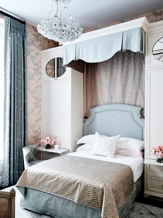 ديكورات السرير