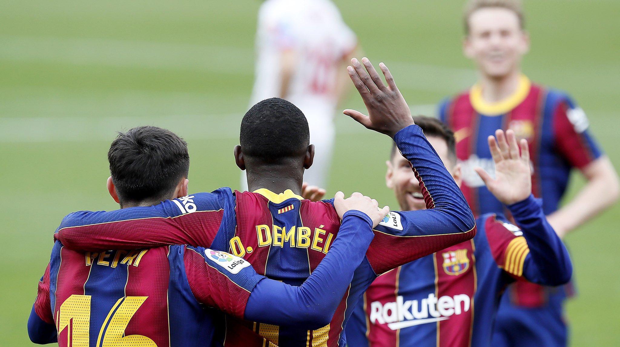 فرحة بهدف برشلونة الأول