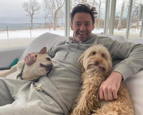 جاكمان مع كلابه