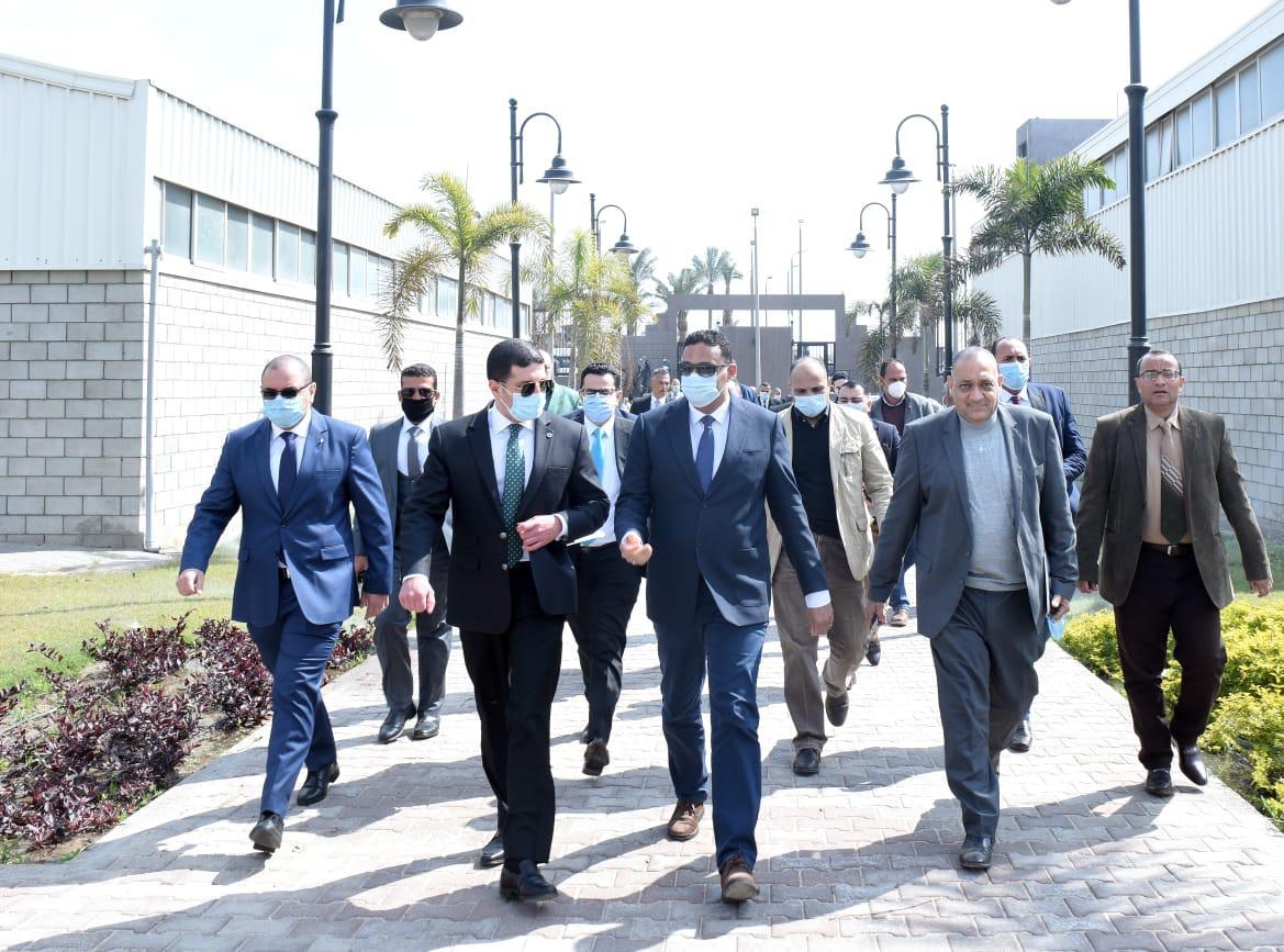 الجولة بحضور عدد من المستثمرين وأعضاء مجلس النواب